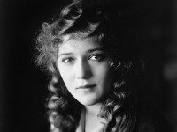 Mary-Pickford-914919--w--1600.jpg