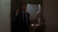 [HDClub-M-KV2501]-The-X-Files-01x02-Squeeze-[BDRip.jpg